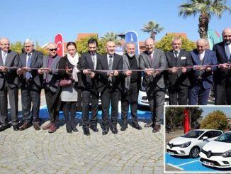 Минимална услуга за наемане на автомобили стартира в Измир.