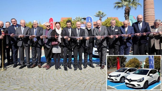 Minute car rental service was launched in Izmir.
