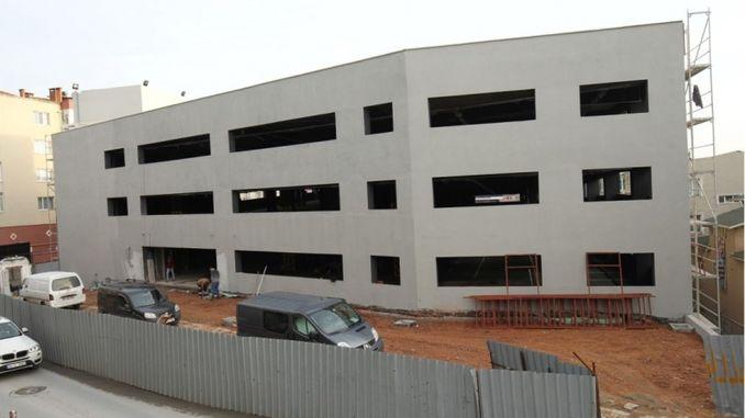 gundogdu undersøgte moderne parkeringshus i gebze