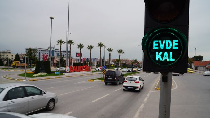 Stay at Home at Traffic Lights in Balikesir