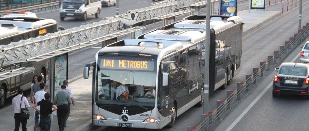 metrobus ve otobus duraklarina mesafenin koru cikartmasi