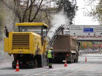 asphalt shifts in daily ban on street in Ankara