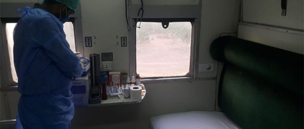 India and Pakistan trains turn to mobile hospitals