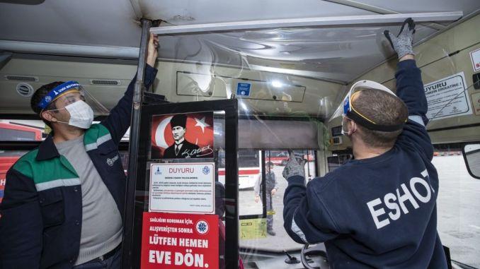 İzmirdə avtobus sürücüləri üçün kabin və qoruyucu başlıq