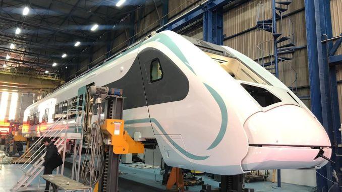 Državni sklop električnih vlakov se lahko preizkusi do maja