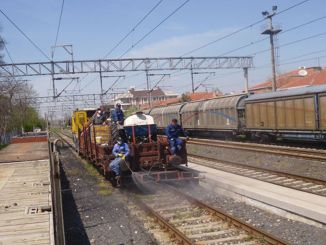tcdd arifiye to fight grass in eskisehir line section