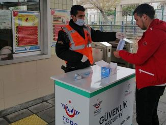 tcdd distributes free masks to baskentray and marmaray passengers