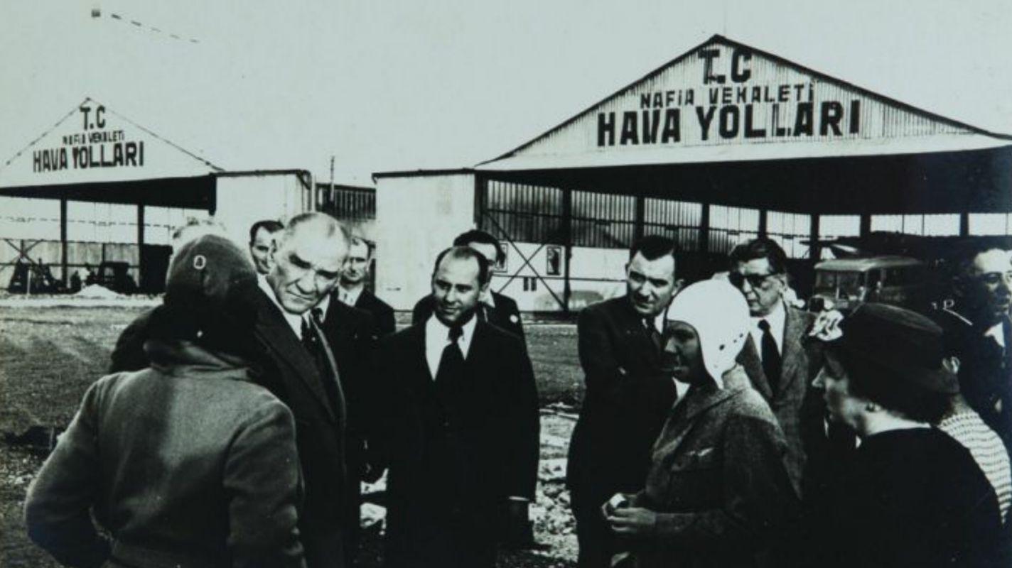 Atatürk İstikbal je u nebu
