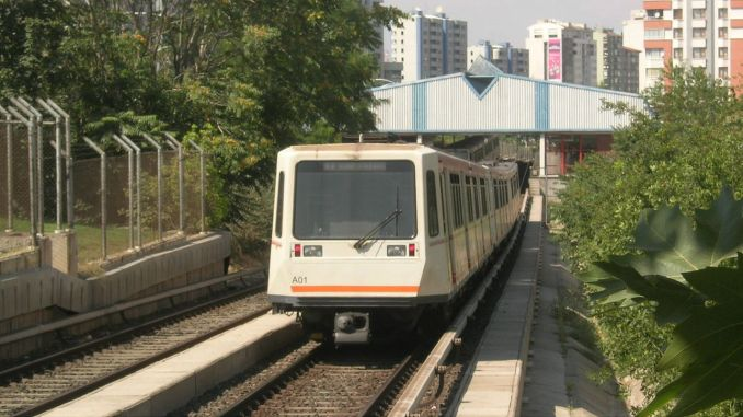 Does Ankara ankaray and metro run in Ankara on the weekend?