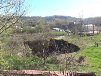mangsa warganegara yang tanahnya terbentuk di tanah tersebut telah dibuang