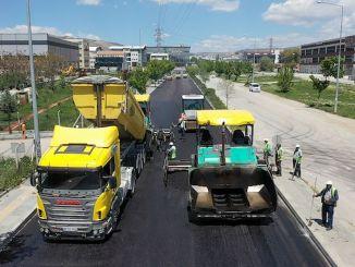 Asphalt verschiebt sich im täglichen Straßenverbot in der Hauptstadt