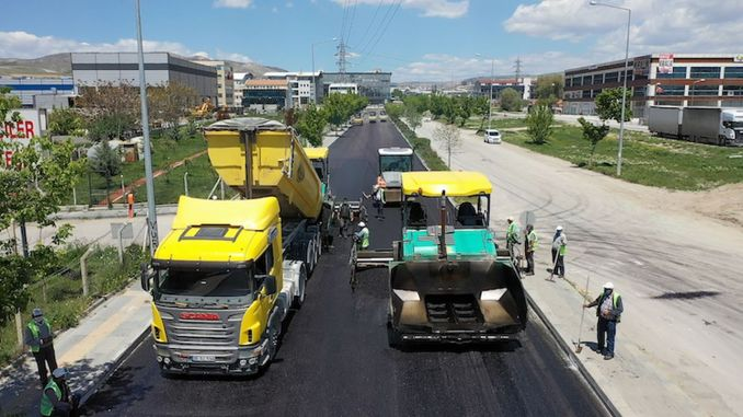 asphalt shifts in the daily ban on the street in the capital city