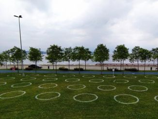 Social distance rings were placed in parks in Istanbul
