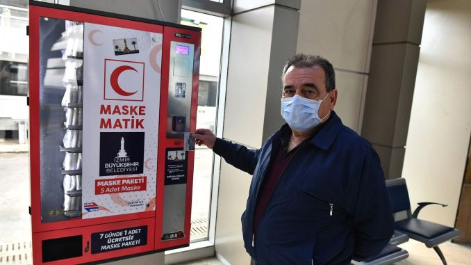One thousand masks from Izmir Buyuksehir to district municipalities