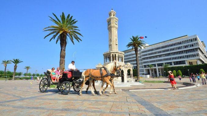 Nostalgic Tram Will Visit Instead Of Carriage In Izmir Kordon Rayhaber Raillynews