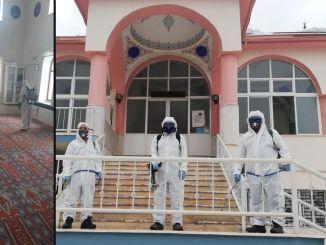 Mesquitas são desinfetadas em Izmir