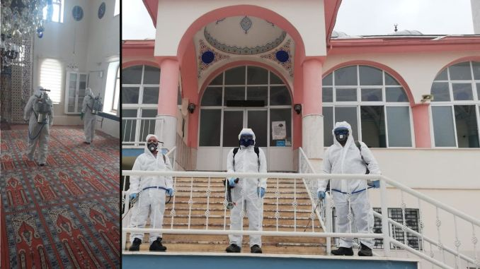 Mosques are disinfected in Izmir