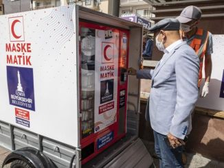Aplikasi maskematik mudah alih bermula di Izmir