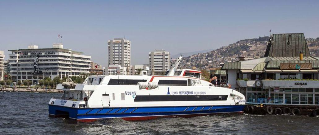 Passasiers- en motorskepe neem toe in Izmir