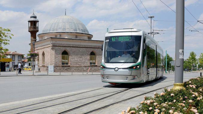 Continuará el transporte gratuito y el estacionamiento para los trabajadores de la salud en Konya