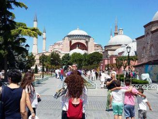Epidemia koronawirusa spowodowała poważne straty w sektorze turystyki