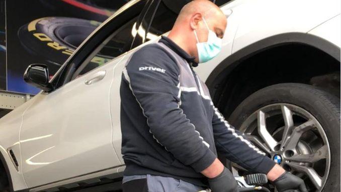 Cuide de pneus que não se movem durante a epidemia