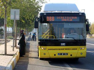 Transporte gratuito para que los estudiantes ingresen al examen LGS en Diyarbakir