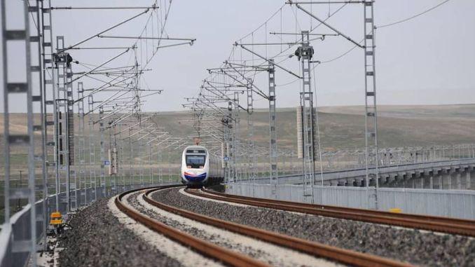 Задержка высокоскоростного поезда Анкара Сивас