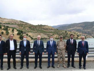 Minister Karaismailoglu undersökte Siirt räddade vägbyggnadsarbeten