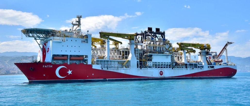 σκάφος γεώτρησης fatih στο Trabzon