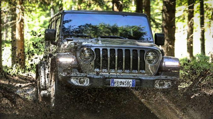 Jeep Wrangler был выбран лучшим внедорожником и внедорожником в Германии