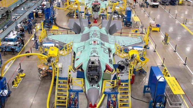 הודו לחלק מהמלחמה, המייצרת מטוס