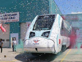 turkiyenin gav den første indenlandske ASAS og produktionsstøtte til det nationale elektriske togsæt