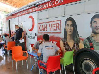 Podpora Červeného polmesiaca od spoločnosti Antalya Ulasim AS