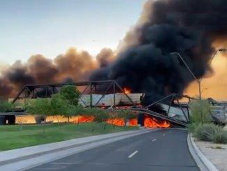 O trem de carga que descarrilou durante a noite da ponte quebrou nos EUA
