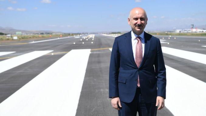 bandara menteri Karaismailoglu erzurum membuka sistem kucing