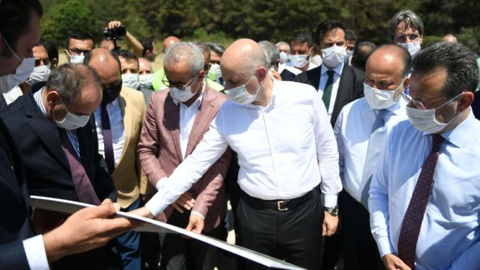 minister, karaismailoglu selcuk partners made examinations at the road site