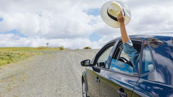 Red de autobezitters die tijdens de vakantie onderweg zijn met LPG LPG