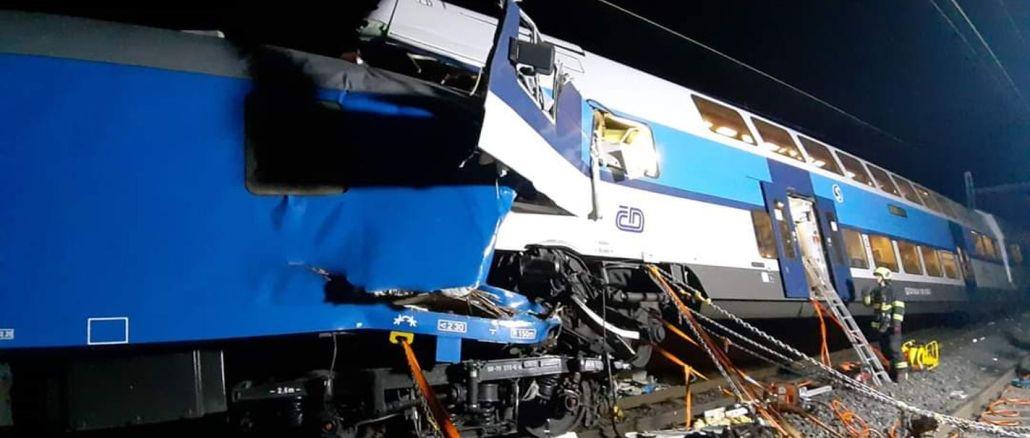 V cekya sú zranené dva koberce vlakov