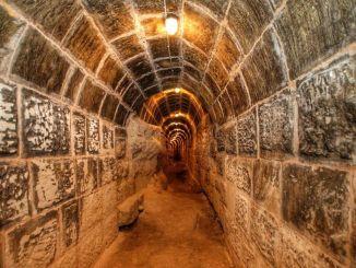 Tunnel, die unter der Burg Gaziantep nie zu sehen sind, tauchen auf