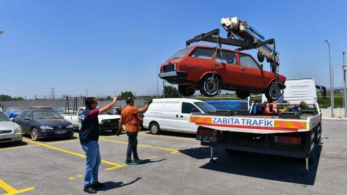 Σκραπ όχημα τραβούσε κάθε μήνα στη Σμύρνη