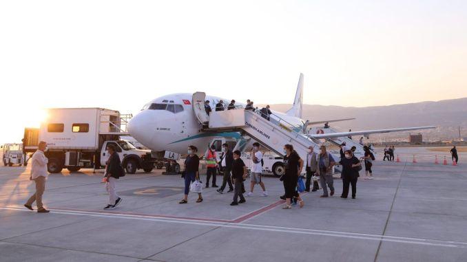avion iz londonske sletio heromarase