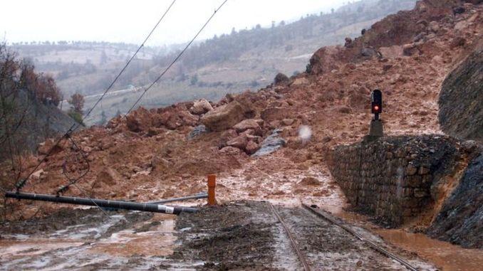 Ang pag-uswag sa tunnel landslide zone nga adunay nm line ingon nga usa ka sangputanan sa malambot