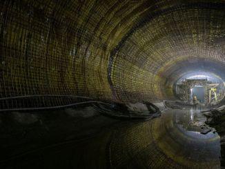 Na trase metra Narlidere bol dokončený tisíc metrov tunel
