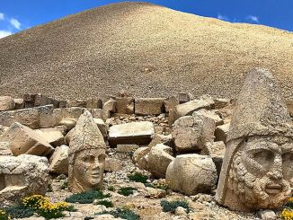 sobre nemrut mountain