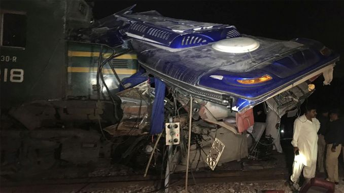 person died in a train accident in pakistan
