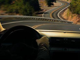 perhatikan hipnosis jalan raya di jalan panjang