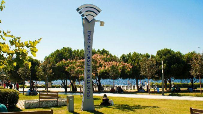 Безплатен и безжичен интернет в 30 области на Измир