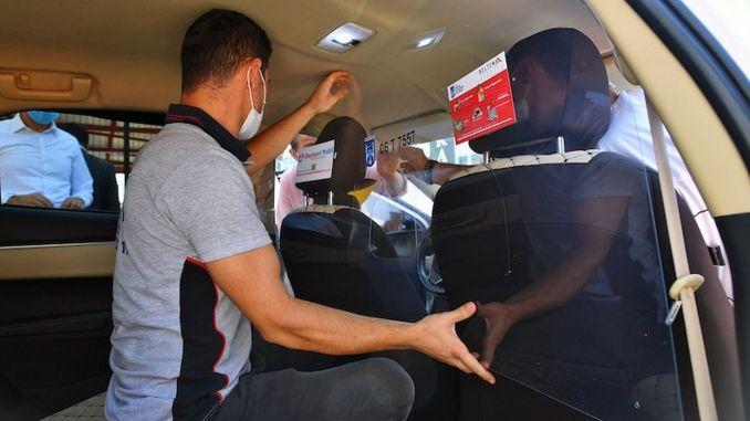 Таксији у Анкари постају сигурни помоћу прозирних плоча