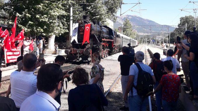 parný vlak, ktorý priniesol Ataturku pred rokmi pozitivitu,